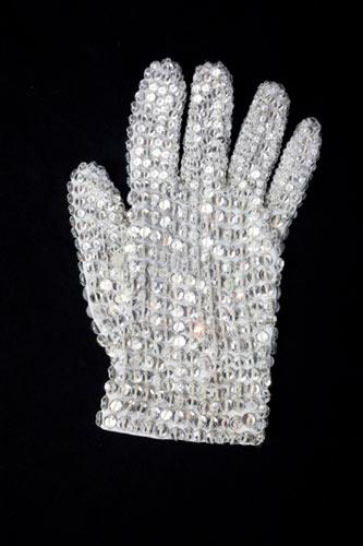 """A luva usada por Michael Jackson em """"Thriller"""""""