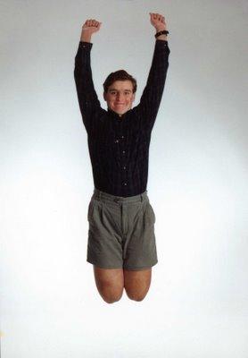 Tom pulando alegremente no ano de 1990