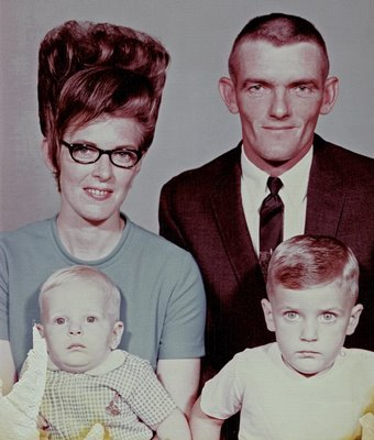 A típica família americana de Wayne e Jeffery, em 1968