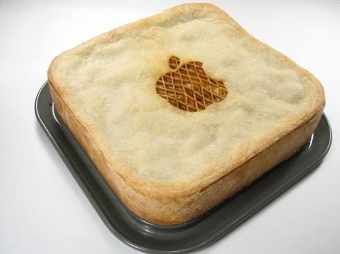Torta de maça com o logo da empresa criada por Steve Jobs