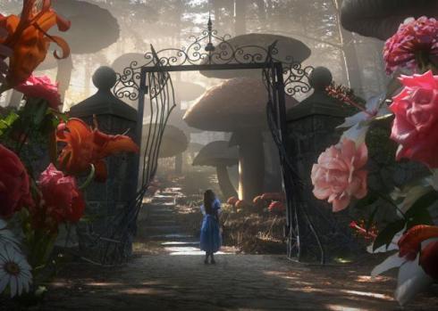 Alice no imenso jardim de rosas falantes