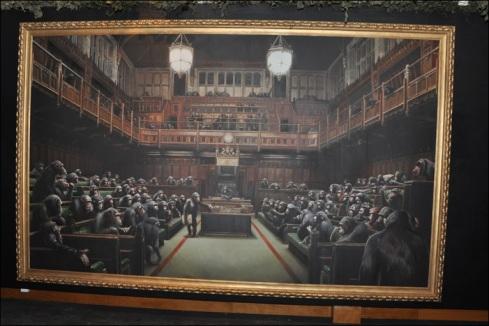 Macacos compõem o Parlamento britânico