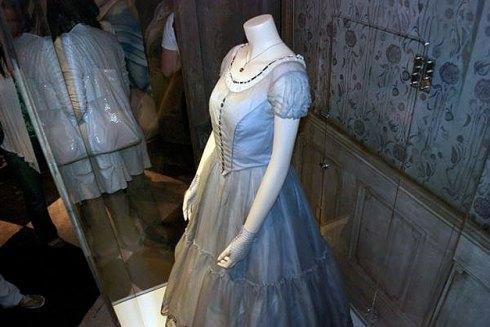 O emblemático vestido azul da Alice