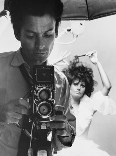 O fotográfio Richard Avedon e Sophia Loren